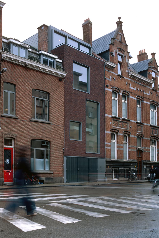9806 Frederik Lintsstraat